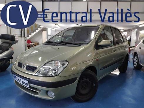 Renault Scénic,2.690EUR